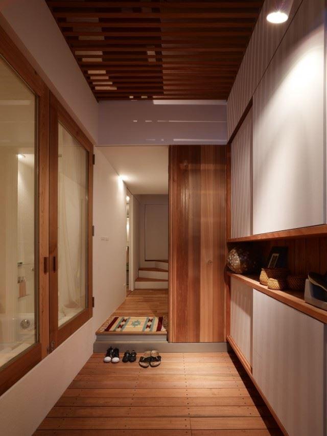 5144f2e0b3fc4b88c6000087_house-in-nada-fujiwarramuro-architects_oishi216922000-750x1000