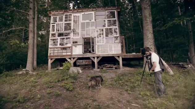 52333f8ee8e44e3ecb000004_a-house-made-of-windows_01glass