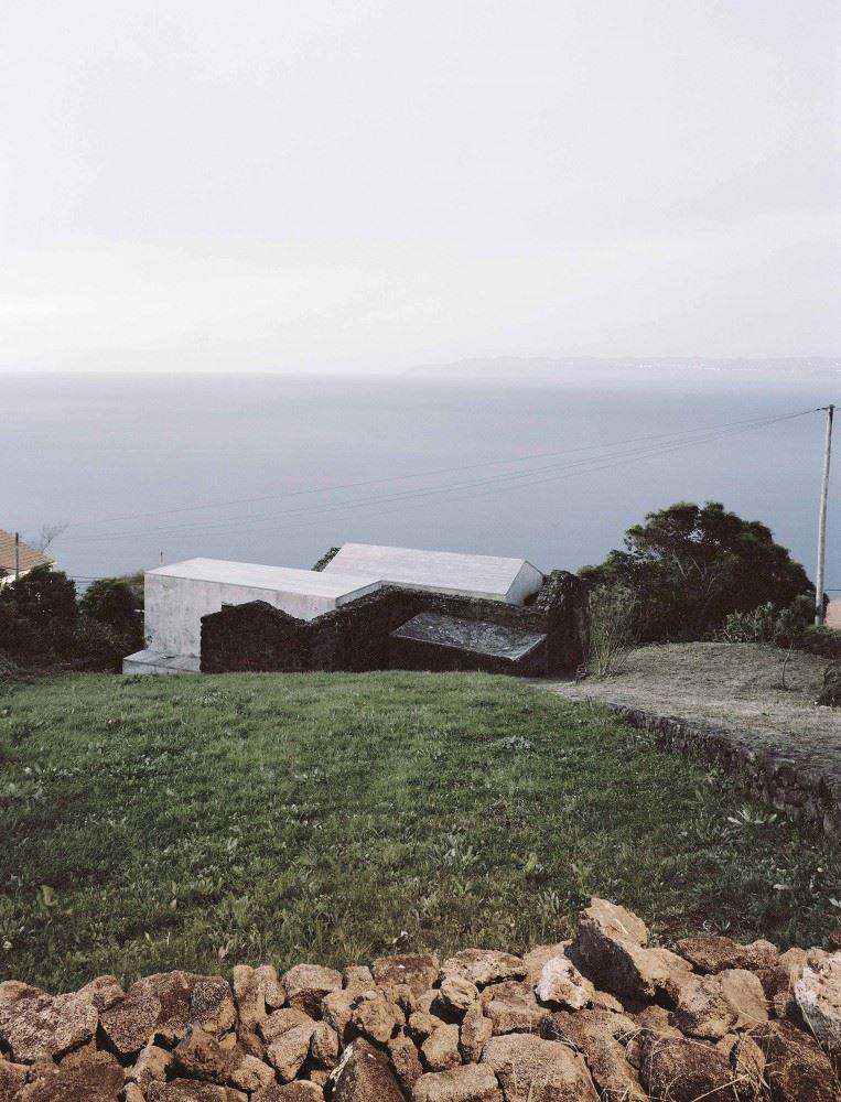 54c73a16e58ece99010000cd_e_c-house-sami-arquitectos_sami-13-763x1000