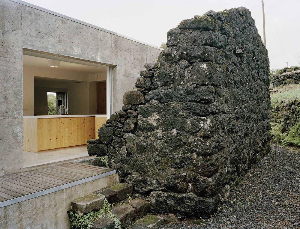 54c73a36e58ece99010000ce_e_c-house-sami-arquitectos_sami-16-1000x764