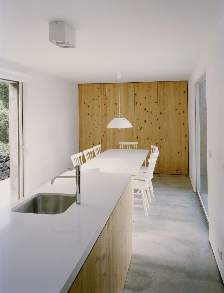 54c73a5de58ece5c5e0000e7_e_c-house-sami-arquitectos_sami-18-763x1000