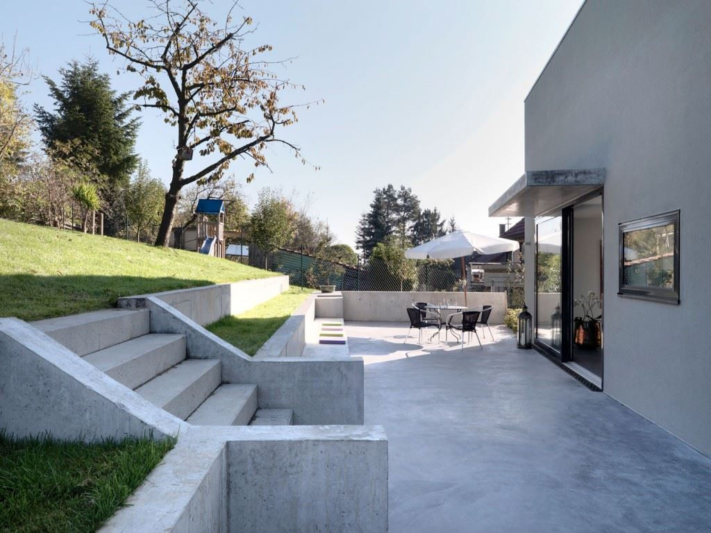 Minimalist-home-by-Ippolito-Fleitz-Group-Haus-F-05