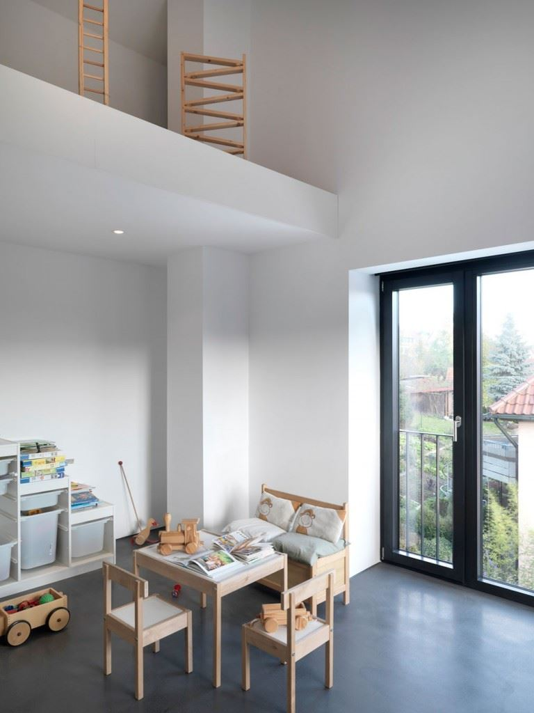 Minimalist-home-by-Ippolito-Fleitz-Group-Haus-F-18