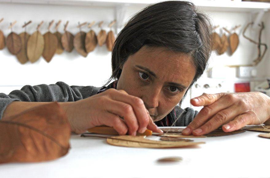 crocheted-leaf-art-susanna-bauer-17